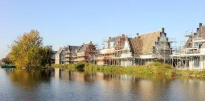 De Oevers · Roelofarendsveen: Oplevering eerste woningen begin 2015
